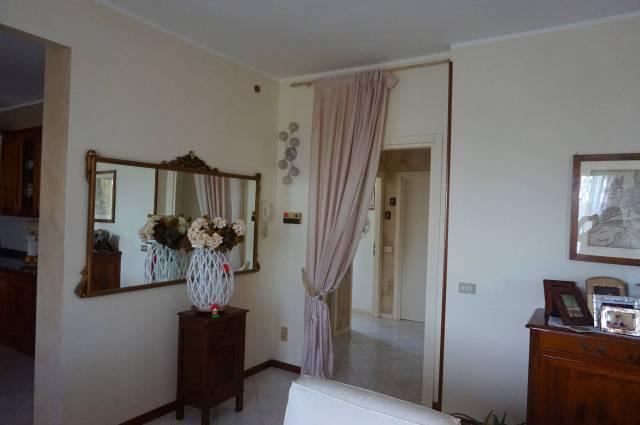 Appartamento in vendita a Ghedi, 4 locali, prezzo € 159.000 | CambioCasa.it