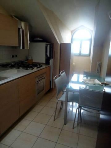Appartamento in affitto a Alba, 4 locali, prezzo € 600 | CambioCasa.it