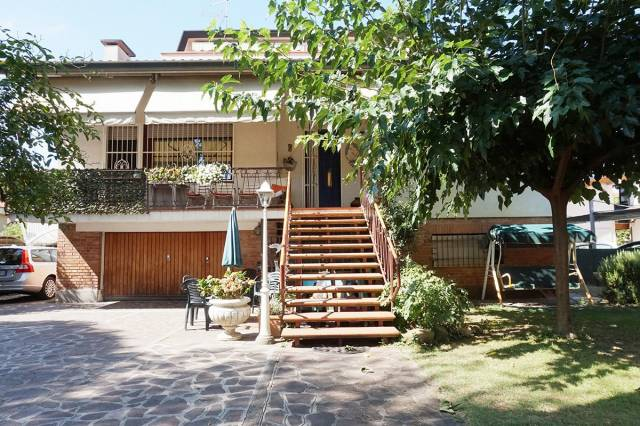 Villa in vendita a Cervia - Milano Marittima, 6 locali, Trattative riservate | CambioCasa.it