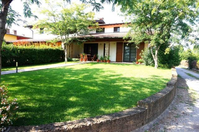 Villa in vendita a Calcinato, 6 locali, prezzo € 320.000 | CambioCasa.it
