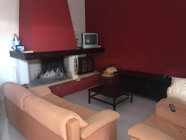 Appartamento in vendita a Guagnano, 3 locali, prezzo € 88.000 | CambioCasa.it