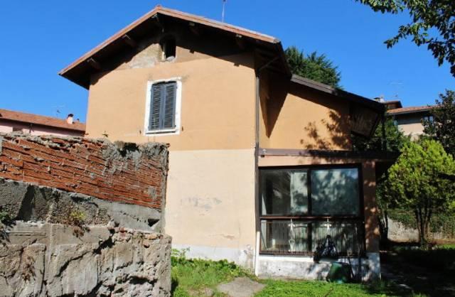 Appartamento in vendita a Induno Olona, 5 locali, prezzo € 87.000 | CambioCasa.it