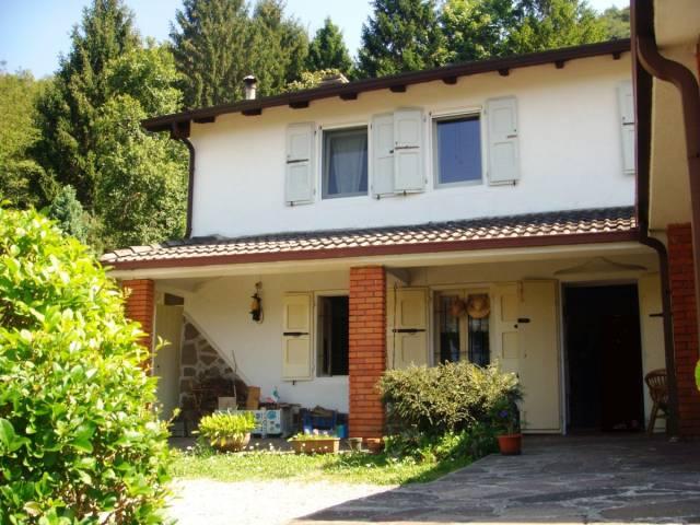 Villa in vendita a Treviso Bresciano, 5 locali, prezzo € 150.000   CambioCasa.it