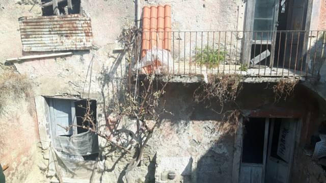 Appartamento in vendita a Grumo Nevano, 6 locali, prezzo € 60.000 | CambioCasa.it