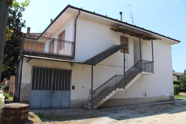 Negozio / Locale in vendita a Alba, 6 locali, prezzo € 320.000 | CambioCasa.it