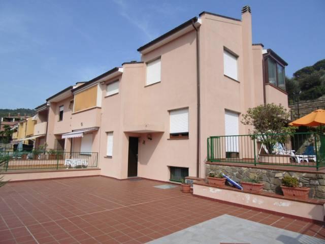 Appartamento in vendita a Andora, 4 locali, prezzo € 299.000 | CambioCasa.it