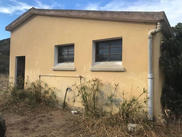 Rustico / Casale in vendita a Muravera, 2 locali, prezzo € 55.000 | CambioCasa.it