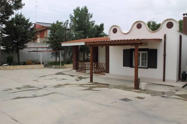 Villa in vendita a Valenzano, 4 locali, prezzo € 270.000 | CambioCasa.it