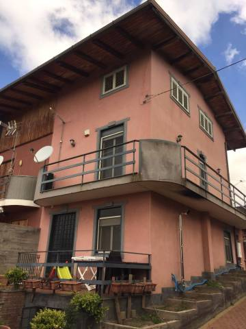 Villa in vendita a Ragalna, 5 locali, prezzo € 169.000 | CambioCasa.it