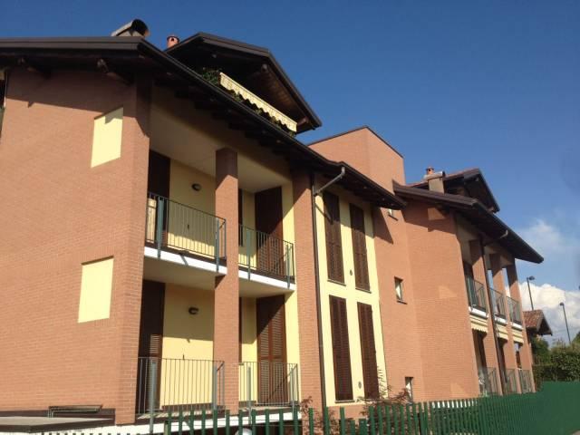 Appartamento in vendita a Caronno Varesino, 2 locali, prezzo € 98.000 | CambioCasa.it