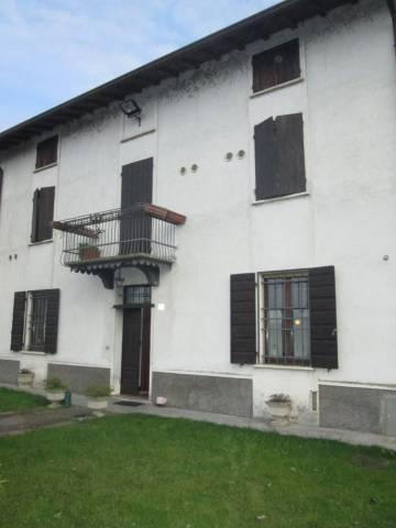Villa in vendita a Goito, 6 locali, prezzo € 250.000 | CambioCasa.it