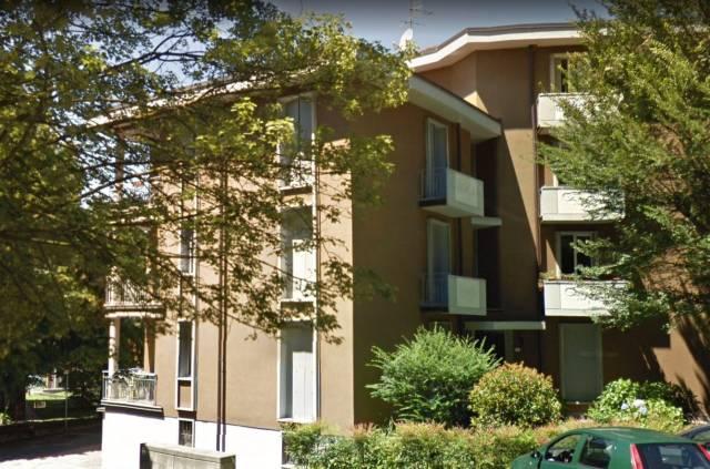 Appartamento in affitto a Buguggiate, 3 locali, prezzo € 500 | CambioCasa.it
