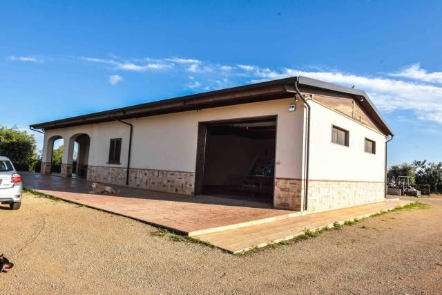 Villa in vendita a Nardò, 5 locali, Trattative riservate | CambioCasa.it