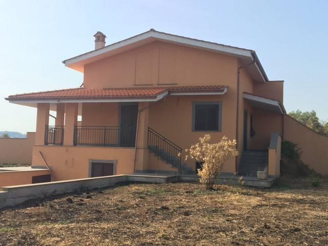 Villa in vendita a Velletri, 6 locali, prezzo € 249.000 | CambioCasa.it
