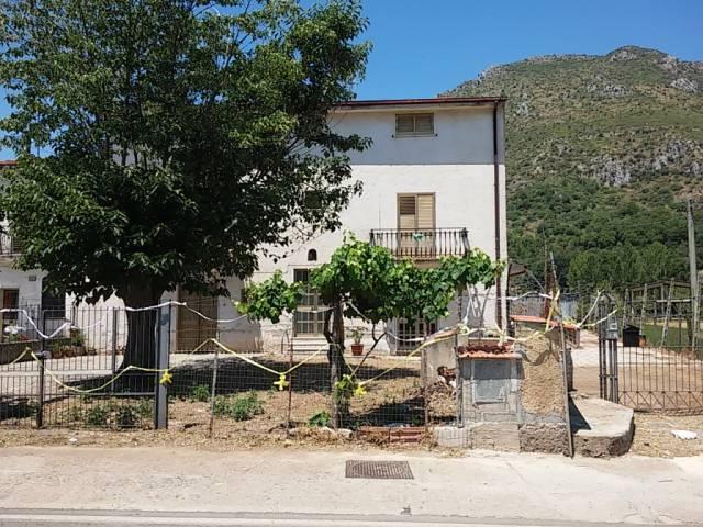 Soluzione Indipendente in vendita a Pietravairano, 6 locali, prezzo € 98.000   CambioCasa.it