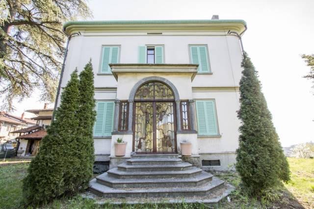Villa in vendita a Como, 6 locali, zona Zona: 5 . Borghi, prezzo € 1.100.000   CambioCasa.it