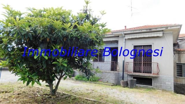 Villa in Vendita a Casorate Sempione