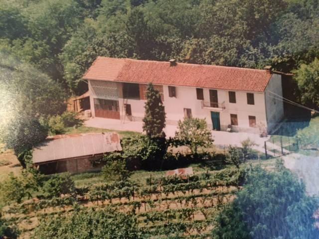 Rustico / Casale in vendita a Piea, 6 locali, prezzo € 130.000 | CambioCasa.it