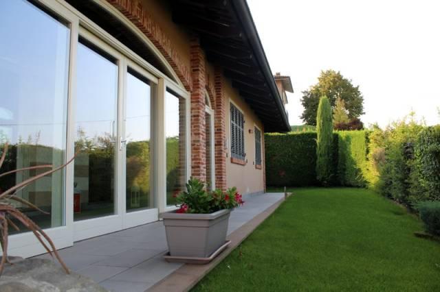 Villa in affitto a Alba, 6 locali, prezzo € 1.300 | CambioCasa.it