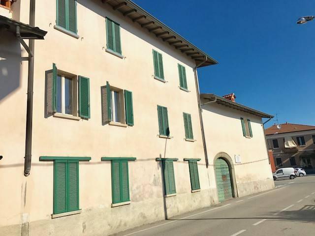 Appartamento in vendita a Valmorea, 3 locali, prezzo € 70.000 | CambioCasa.it