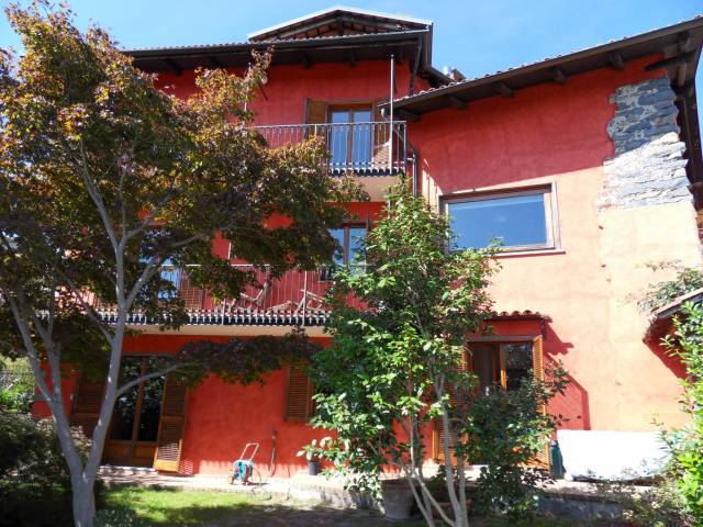 Villa a Schiera in Vendita a Zumaglia