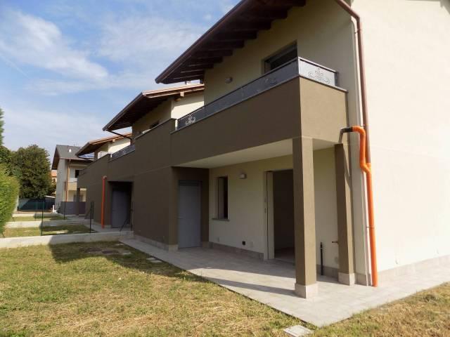 Villa in vendita a Lurate Caccivio, 4 locali, prezzo € 320.000 | CambioCasa.it