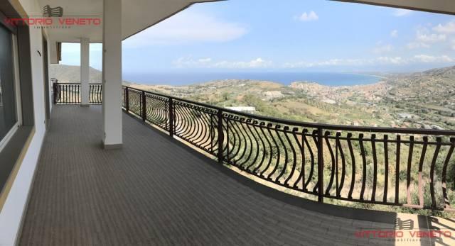 Appartamento in vendita a Agropoli, 5 locali, prezzo € 240.000 | CambioCasa.it