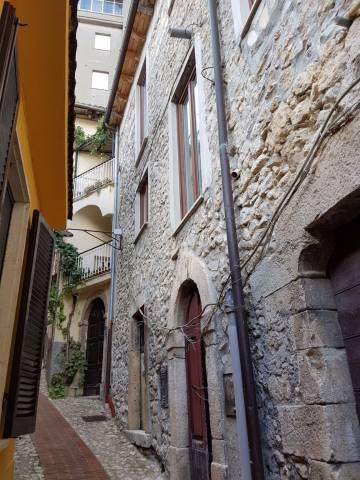 Soluzione Indipendente in vendita a Veroli, 6 locali, Trattative riservate | CambioCasa.it