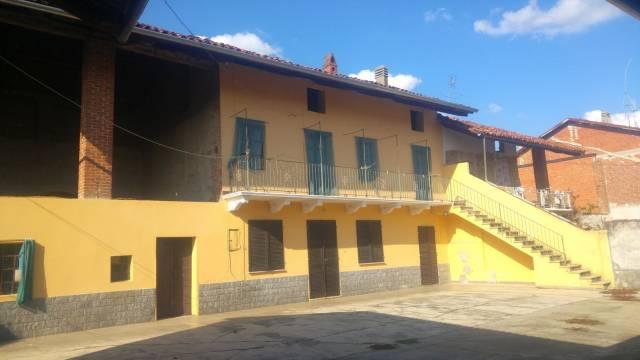 Rustico / Casale in vendita a Caluso, 4 locali, prezzo € 59.000 | CambioCasa.it