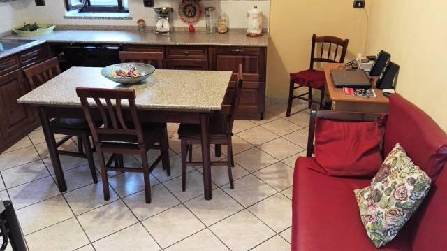 Appartamento in vendita a Cardano al Campo, 3 locali, prezzo € 158.000   CambioCasa.it