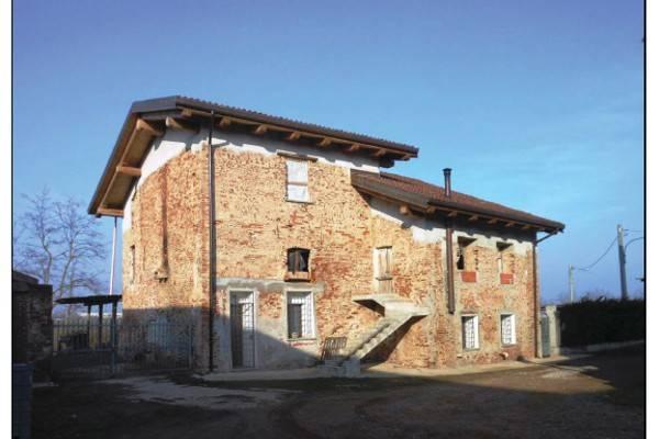 Rustico / Casale in vendita a Chieri, 6 locali, prezzo € 195.000 | CambioCasa.it