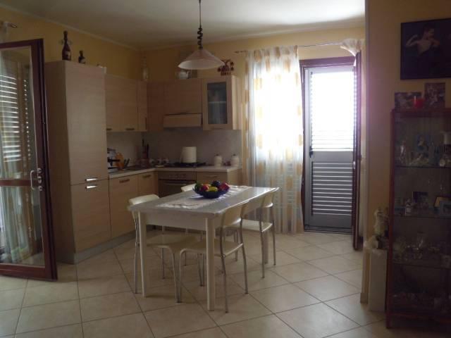 Appartamento in vendita a Agliana, 3 locali, prezzo € 205.000 | CambioCasa.it