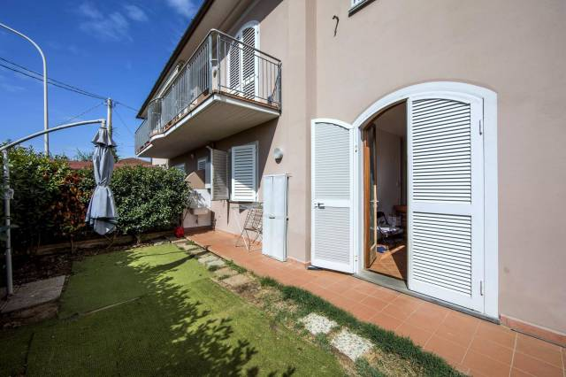 Appartamento in affitto a Pescia, 4 locali, prezzo € 500   CambioCasa.it