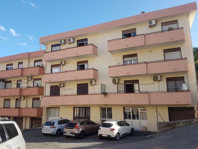 Appartamento in vendita a Nizza di Sicilia, 3 locali, prezzo € 90.000 | CambioCasa.it