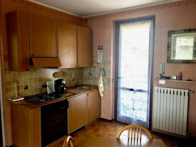 Appartamento in affitto a Toscolano-Maderno, 3 locali, prezzo € 500 | CambioCasa.it