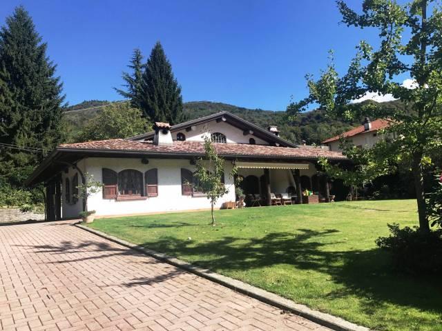 Villa in Vendita a Valganna