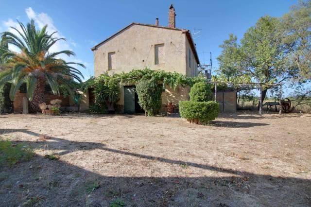 Rustico / Casale in vendita a Castiglione della Pescaia, 4 locali, prezzo € 550.000   CambioCasa.it