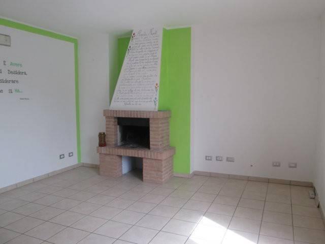 Appartamento in affitto a Montelupone, 2 locali, prezzo € 450 | CambioCasa.it