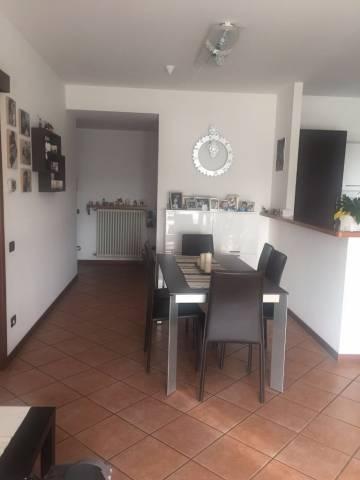Appartamento in vendita a Capiago Intimiano, 3 locali, prezzo € 114.000 | CambioCasa.it