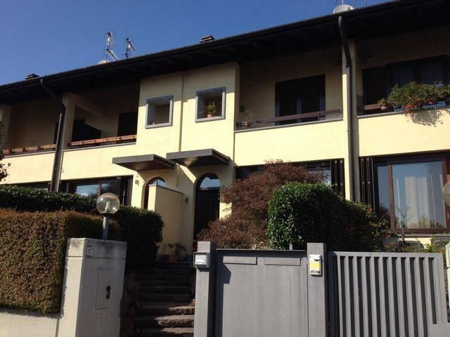 Villa a Schiera in vendita a Casciago, 5 locali, prezzo € 295.000   CambioCasa.it