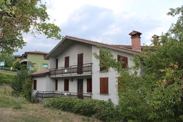 Villa in vendita a Morfasso, 6 locali, prezzo € 180.000 | CambioCasa.it