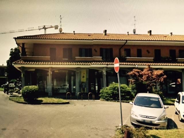 Negozio / Locale in vendita a Capriate San Gervasio, 9999 locali, prezzo € 210.000 | CambioCasa.it