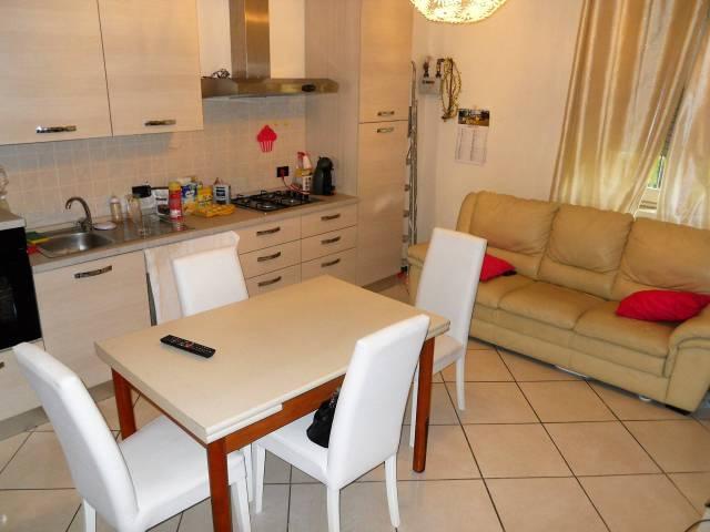 Appartamento in vendita a Rozzano, 3 locali, prezzo € 135.000 | CambioCasa.it