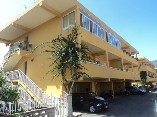 Appartamento in vendita a Patti, 5 locali, Trattative riservate | CambioCasa.it