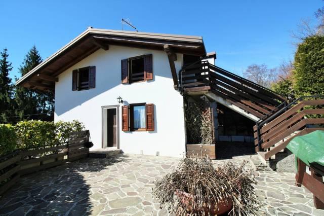Villa in vendita a Trento, 6 locali, prezzo € 270.000 | CambioCasa.it