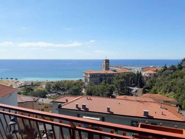 Appartamento in affitto a Imperia, 6 locali, prezzo € 800 | CambioCasa.it
