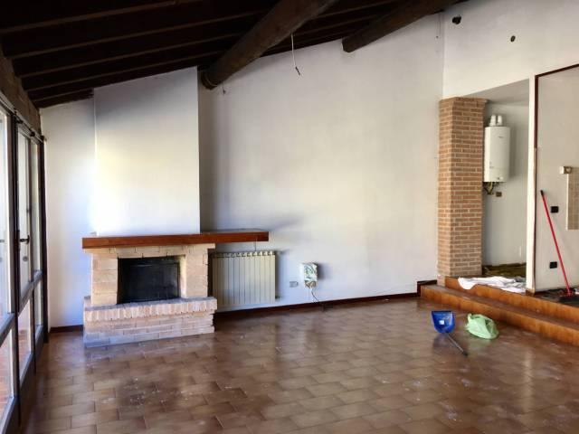 Appartamento in affitto a Capriano del Colle, 4 locali, prezzo € 530 | CambioCasa.it