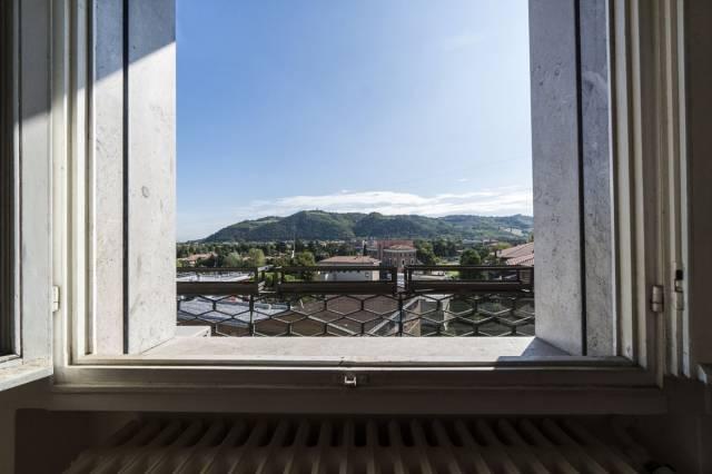 Appartamento in vendita a Casalecchio di Reno, 4 locali, prezzo € 250.000   CambioCasa.it
