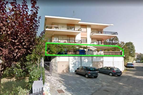 Appartamento in vendita a Pino Torinese, 5 locali, prezzo € 165.000 | CambioCasa.it