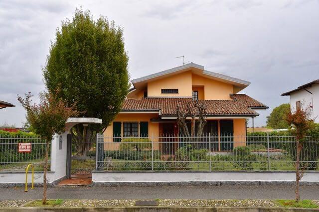 Villa in Vendita a Orio Litta